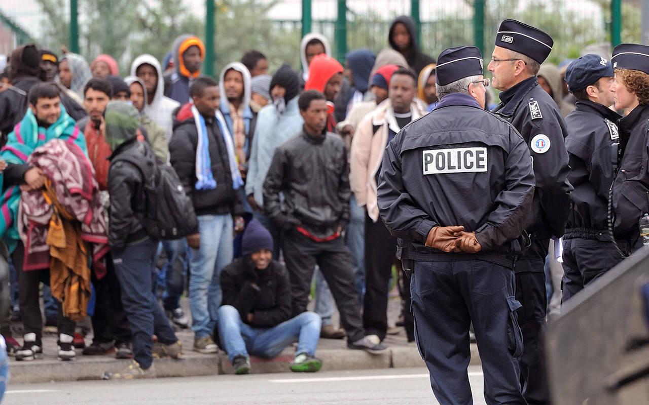 Европейская комиссия: Смарта 2016-го года мигранты должны быть отправлены обратно вГрецию