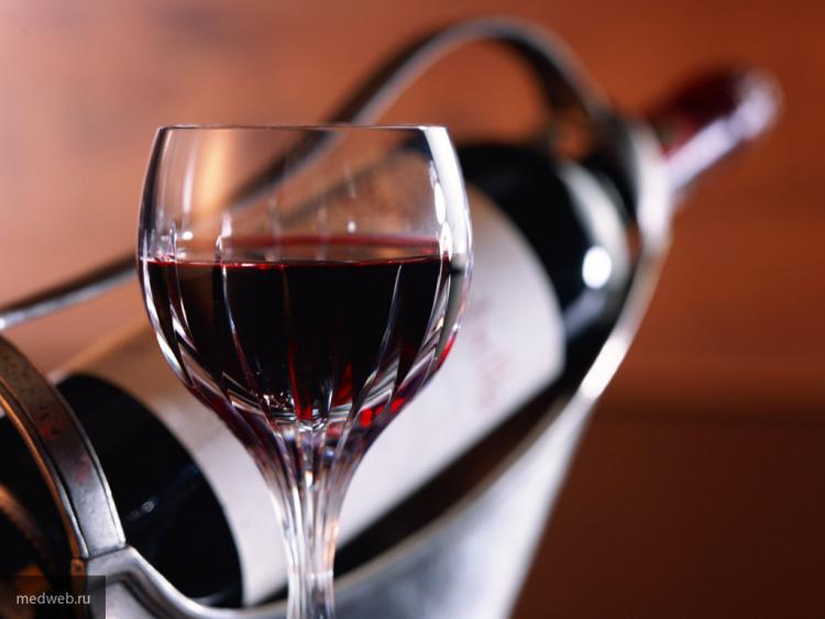 ВИталии навинодельне вандалы уничтожили 400 тыс. бутылок вина